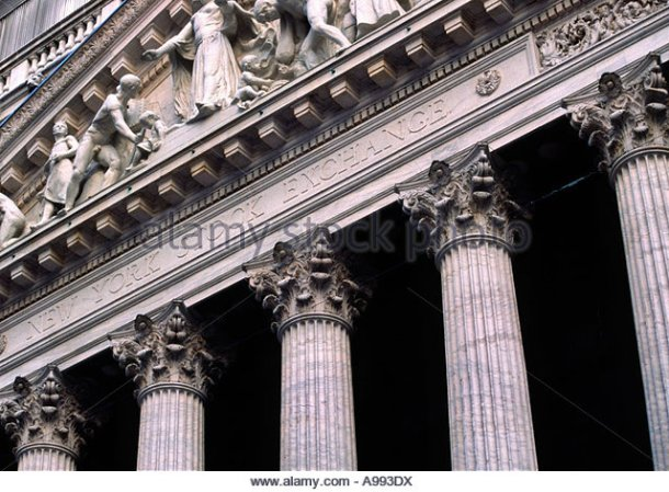 new-york-stock-exchange-in-nyc-usa-pillars-outside-a993dx